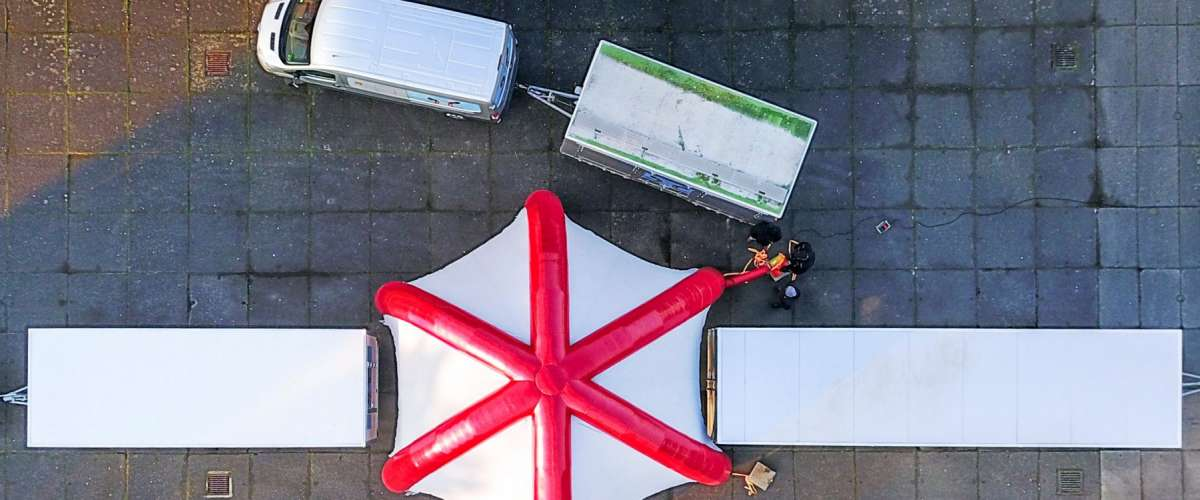 Mobiles Gesundheits Center von oben